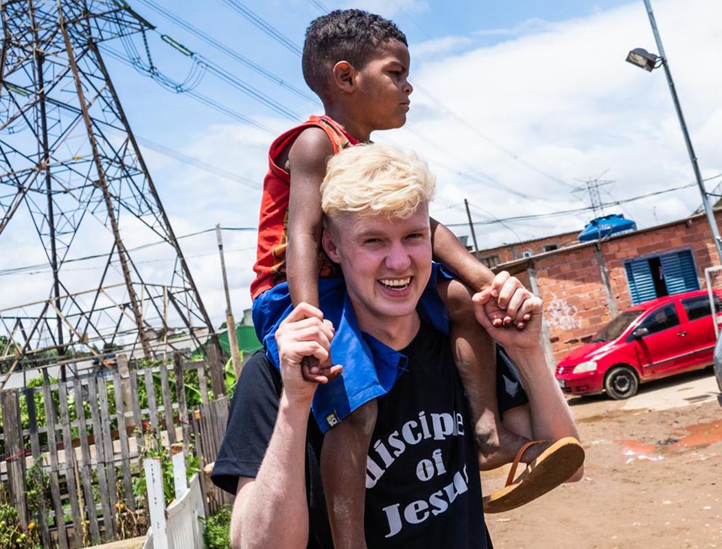 Wij brengen een glimlach in Brazilië
